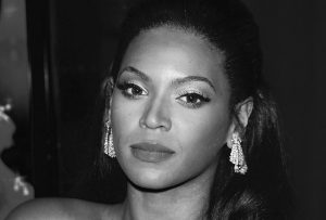 """Beyonce Knowles at the premiere of """"Dreamgirls"""". Wilshire Theatre, Los Angeles, California, December 11, 2006."""